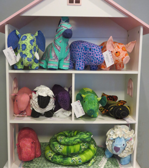 Pat Abbitt uses a wide variety of fabrics and patterns to make animals from It's a Zoo unique.